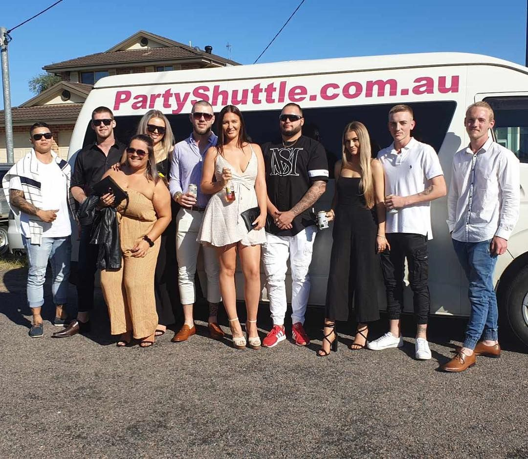 Charlottes fun group partyshuttle from uminabeach