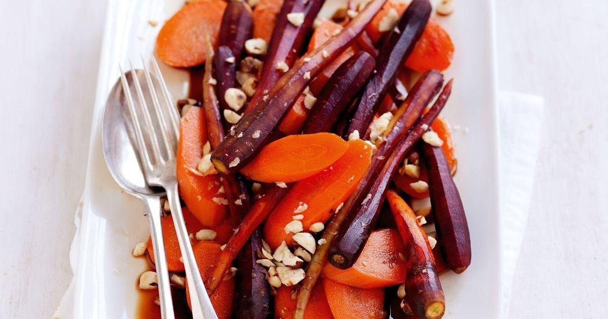 Carrots with balsamic glaze and roasted hazelnuts Recipe