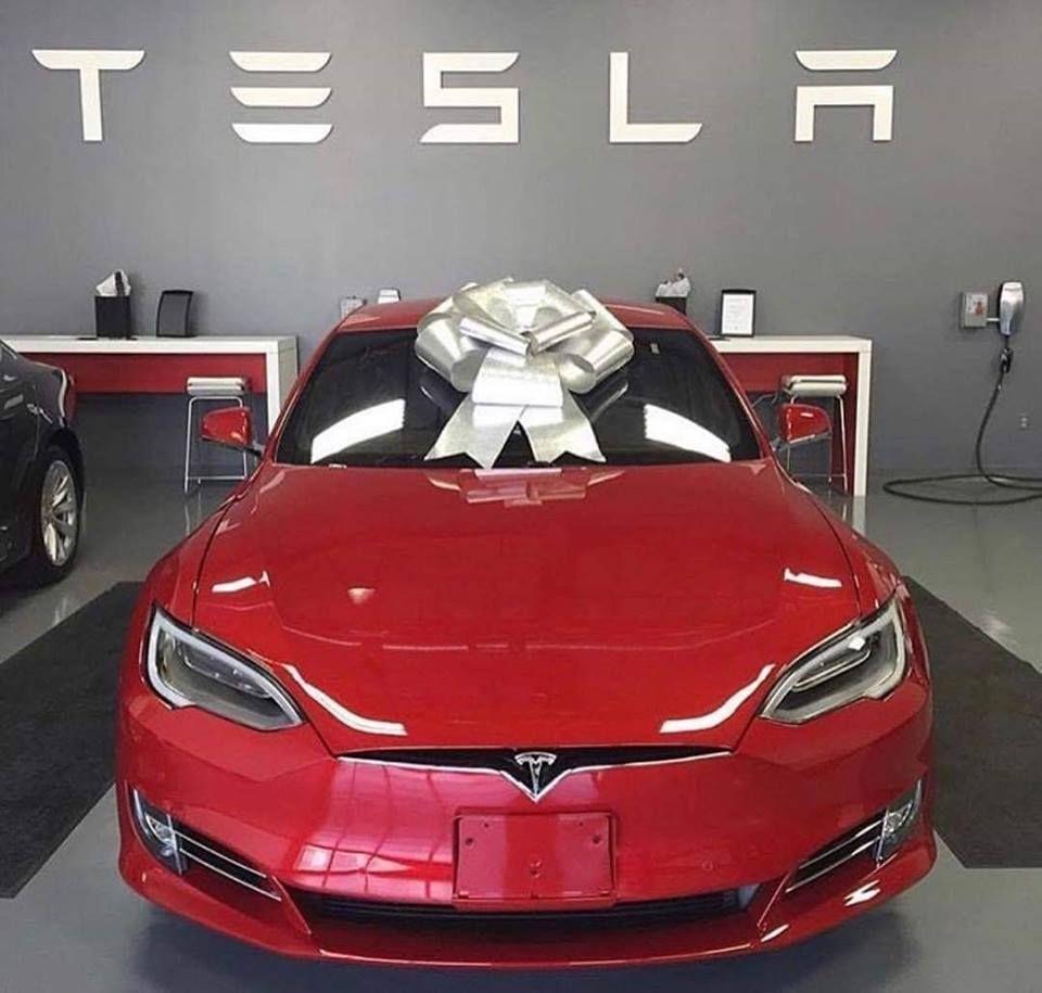Elon Musk Biography Net Worth Celebrity Sphere In 2020 Tesla Roadster Tesla Elon Musk