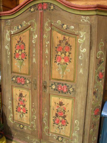 alter bauernschrank bemalt mit bauernmalerei teilbar edeltr del gemalt pinterest. Black Bedroom Furniture Sets. Home Design Ideas