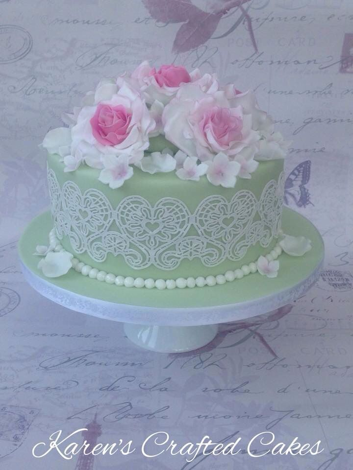 Vintage Rose & Lace Cake