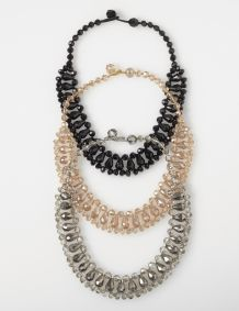 SHORT CRYSTAL BEAD NECKLACE