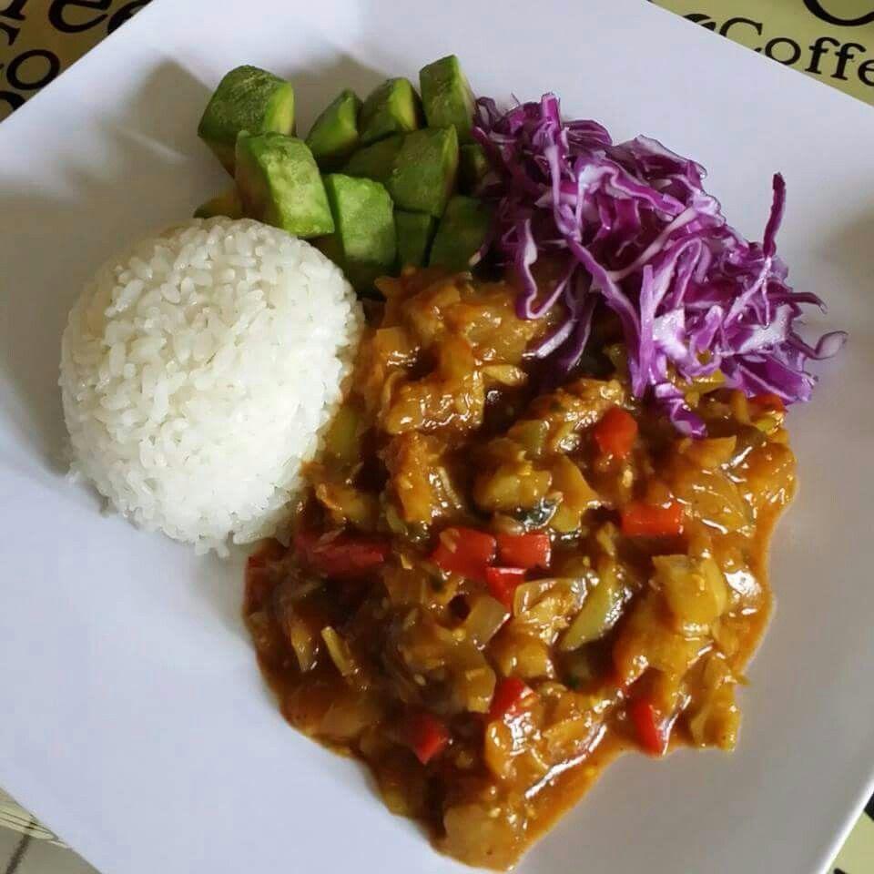 Berenjenas con bacalao arroz blanco y ensalada de repollo - Arroz blanco con bacalao ...