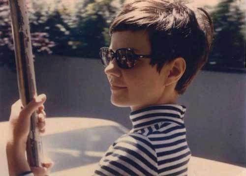 10 Best Short Fringe Haircuts: #5. Short Dark Pixie Haircut with Fringe