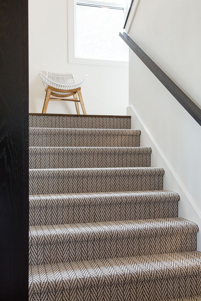 Best Gray And Cream Patterned Carpet Stair Runner In 2020 400 x 300