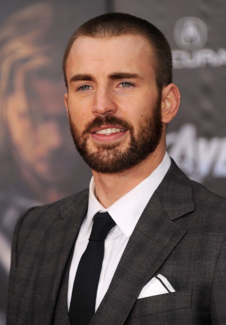 chris evans buzz cut frisur mit bart chris evans pinterest m nnerfrisuren style haare und. Black Bedroom Furniture Sets. Home Design Ideas