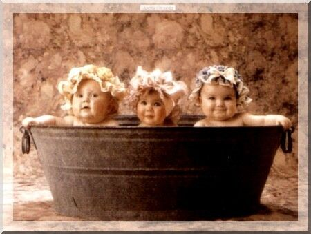 Babies in Bucket...bath time ;o) 6 MONTH PHOTO IDEA WITH PINK TUB ...