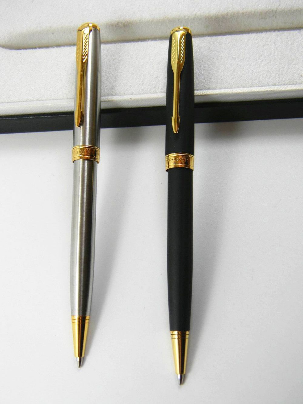 Parker pen with Parker refill Golden arrow pen Ballpoint Pen