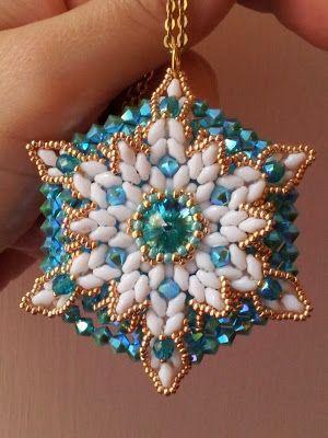 """""""Andromeda"""" pendant by Perline e Bijoux http://www.misshobby.com/it/oggetti/ciondolo-andromeda-andromeda-pendant"""