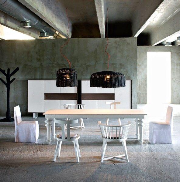 Gervasoni gray armlehnstuhl 24 und tisch in wei design for Armlehnstuhl esstisch