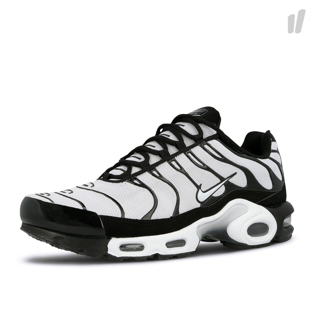 Nike Air Max Plus (Oreo) in 2020 | Nike air max plus, Nike
