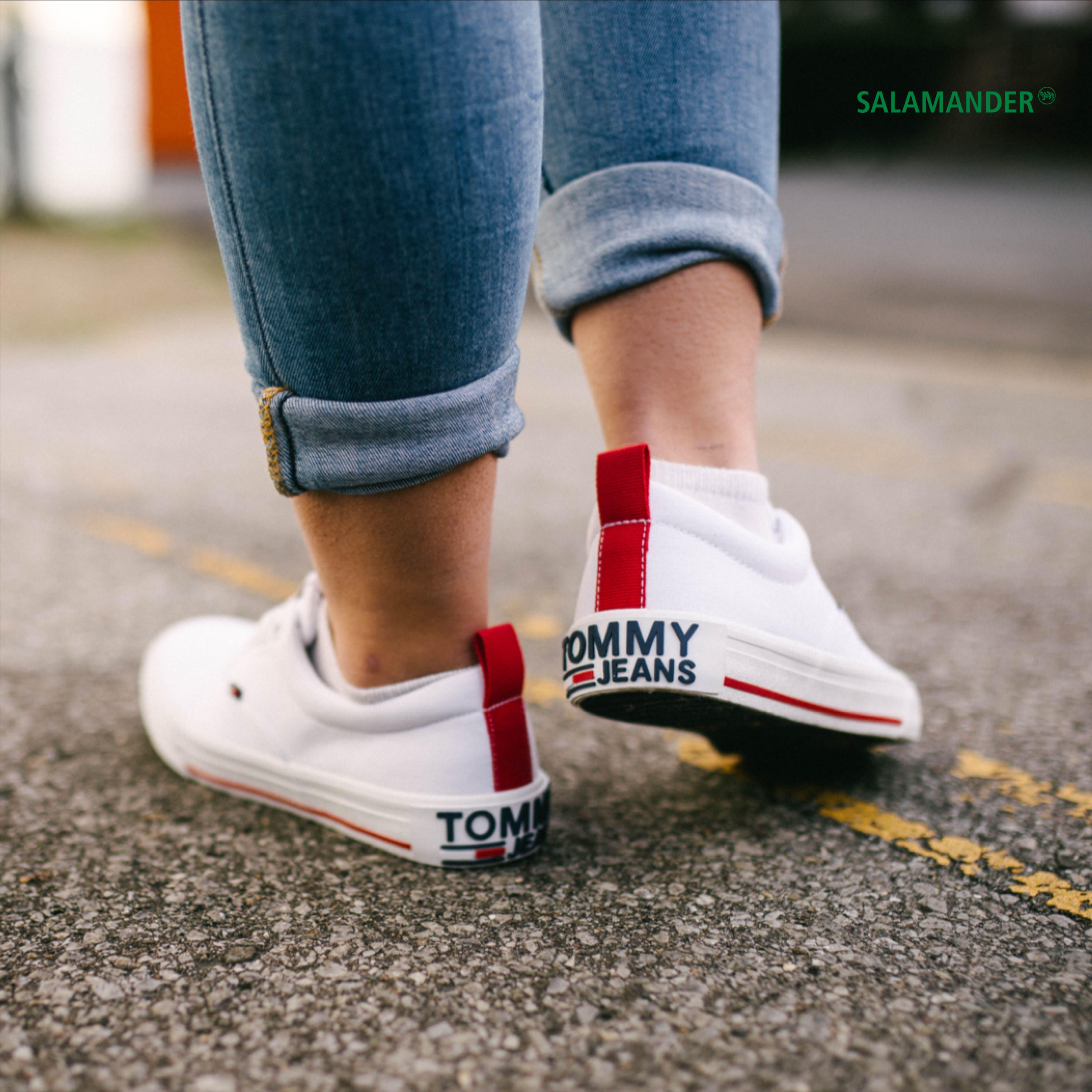 Lässiger Streetstyle mit coolen Sneakern | Jetzt bei