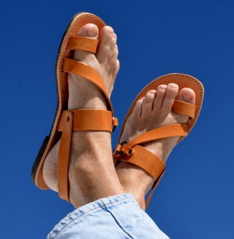 b97f8e8a6e5 Sandalias de cuero romano griego para los por AnaniasSandals ...