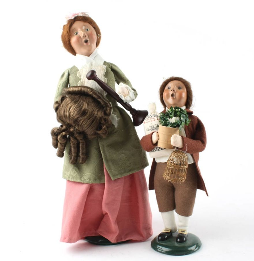 Christmas carolers figurines for sale - Byers Choice Williamsburg Woman And Child Caroler Figurines