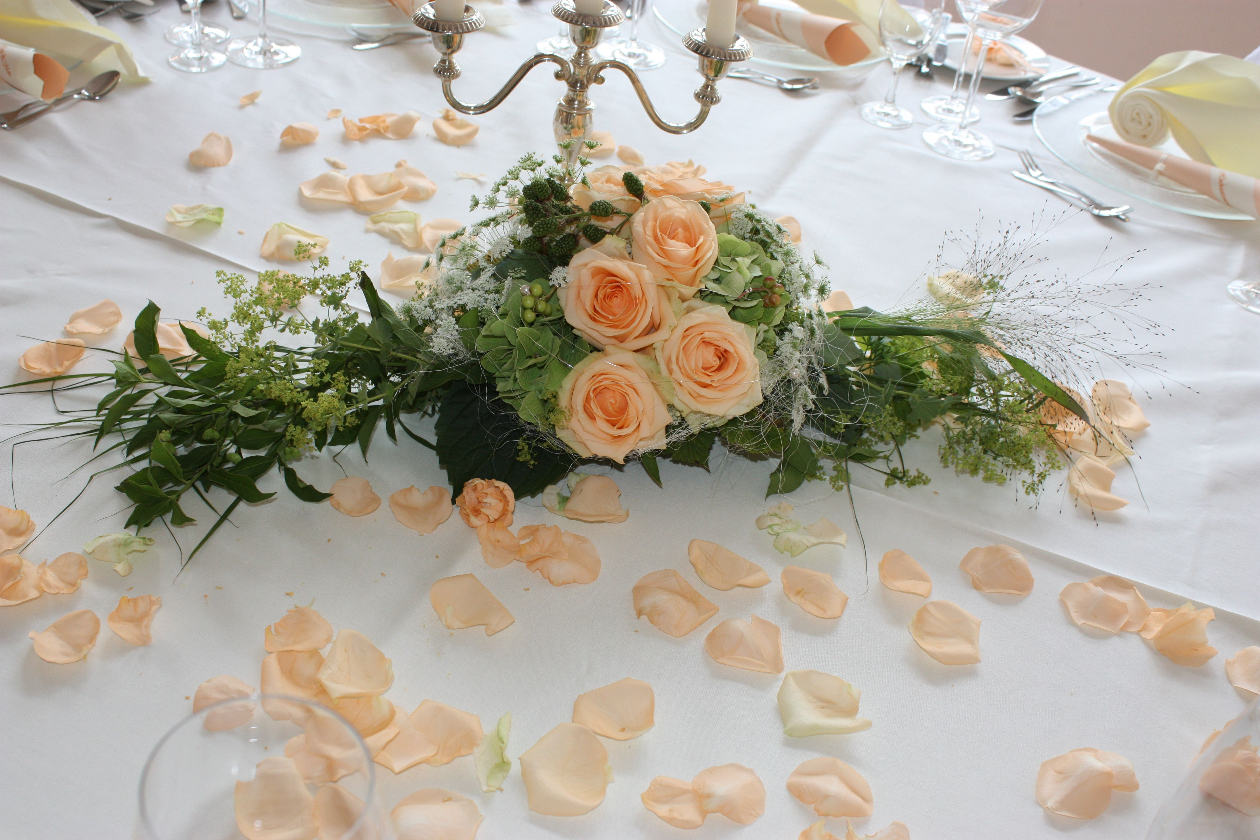 Apricot wedding  Meine Hochzeiten  Wedding decorations