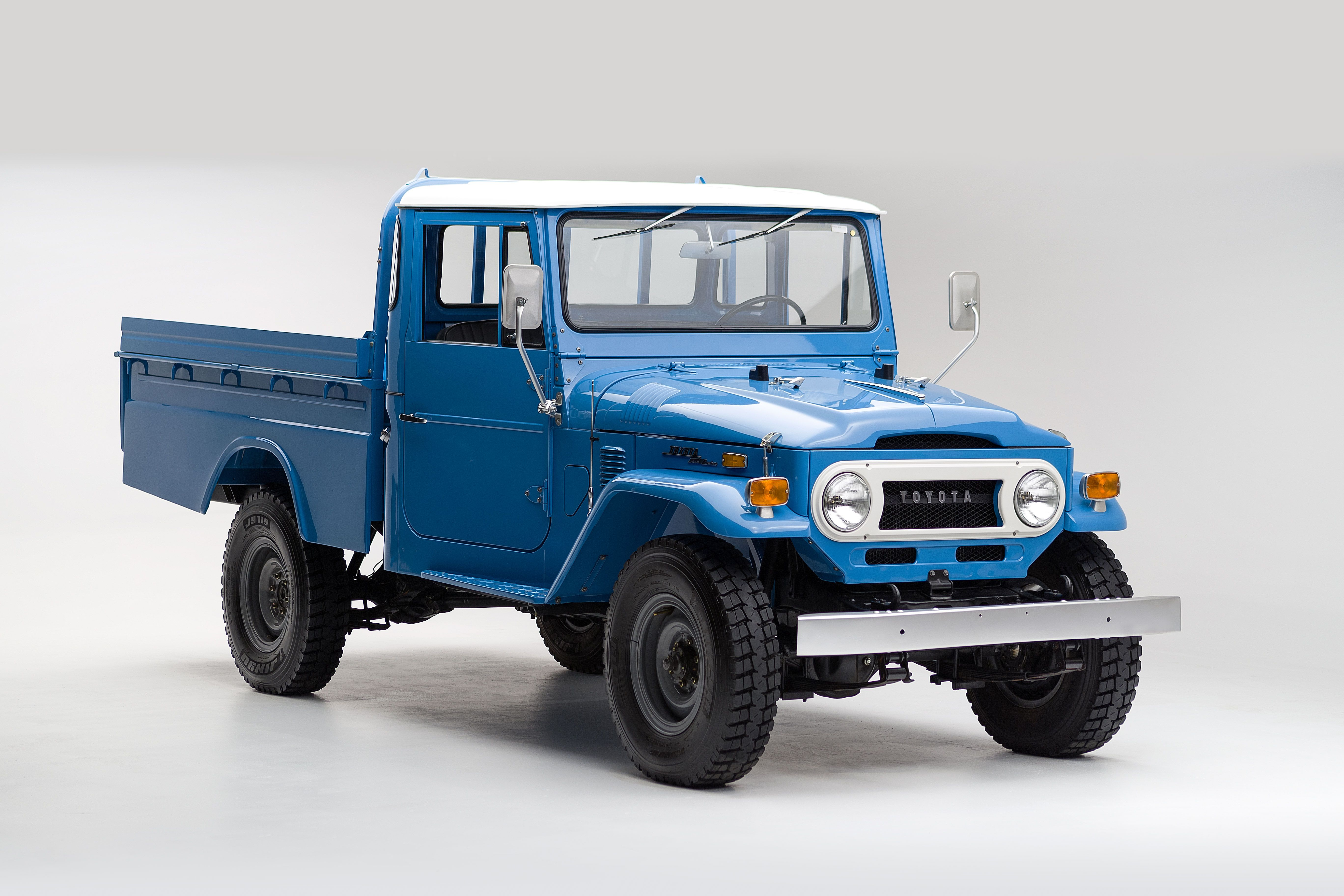 Help us find a buyer for this ultimate utility vehicle 1974 toyota land cruiser fj45