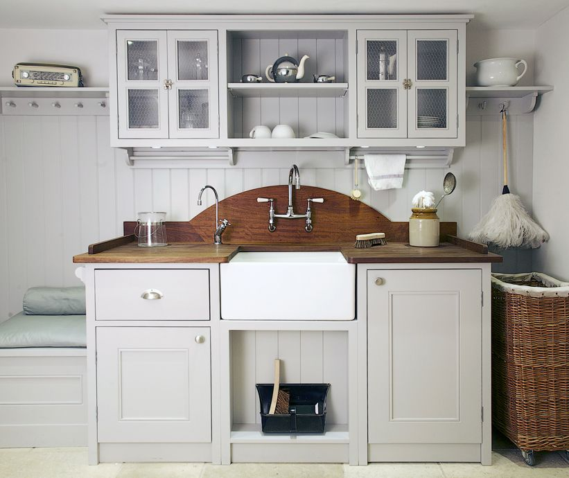 Classic bespoke kitchen designer and specialist cabinet maker traditional elegant and handmade plain english shaker style country kitchens