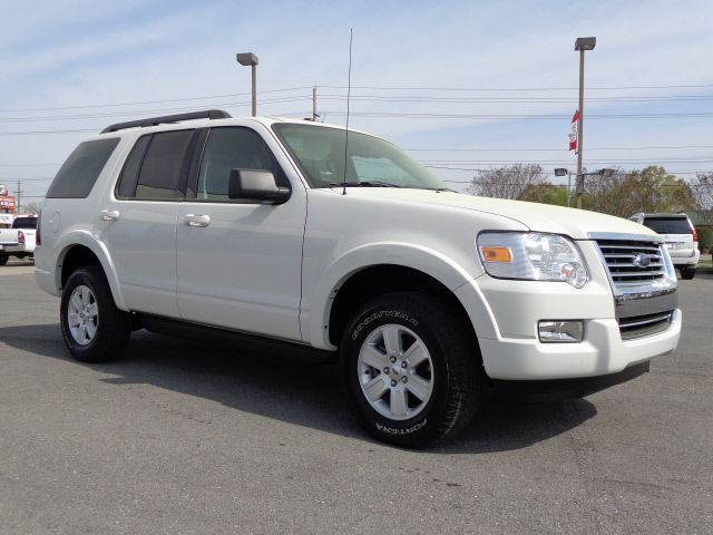 vehicle spotlight: 2010 ford explorer xlt | north georgia toyota