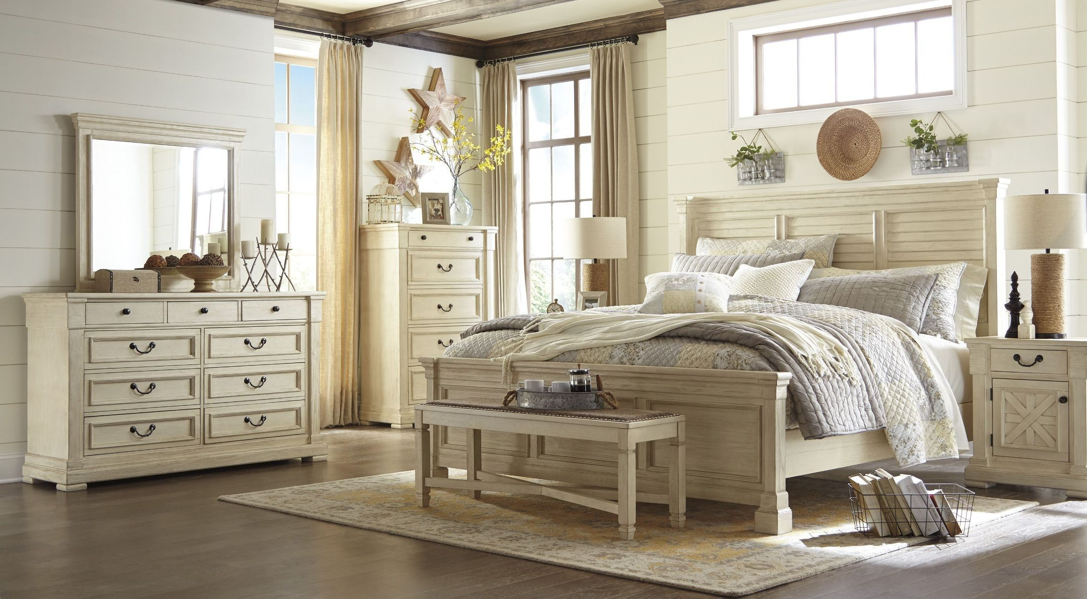 B64731364678569791D64700Q236_3_1 2200×1213 Enchanting King And Queen Bedroom Decor Inspiration