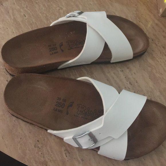Birkenstocks gently used Gently used birkis color is white Birkenstock Shoes