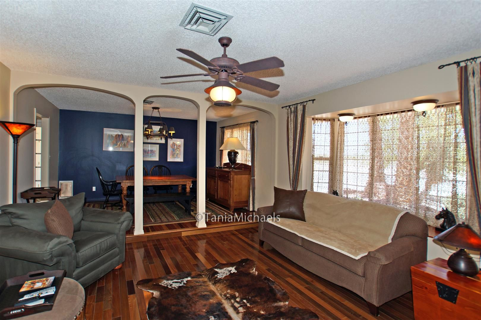 Midnight blue and Bellawood hardwood floors, just what you'd expect in a horse property home. | Las Vegas Real Estate http://michaelsrealestate.com/5375wshelbourne