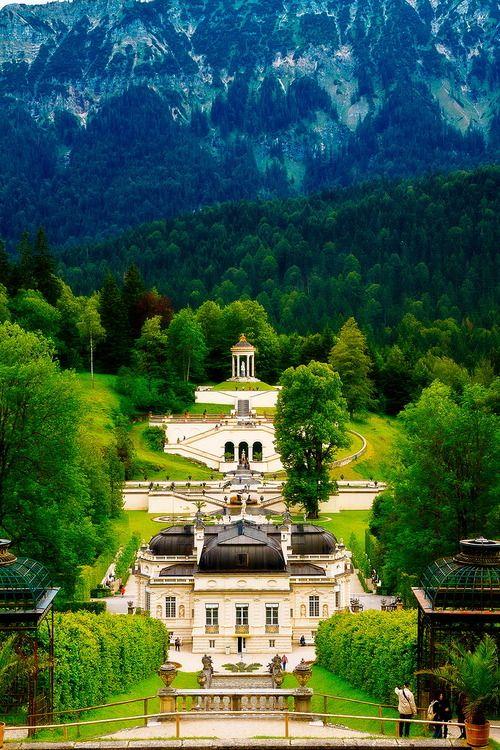 Schloss Linderhof Linderhof 12 82488 Ettal Germany Architectural Style Rococo Castillo De Neuschwanstein Viajar A Alemania Lugares Hermosos