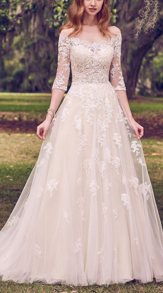 Lace White Wedding Dress, Halbarm Appliques Brautkleid, romantisches Brautkleid #romanticlace