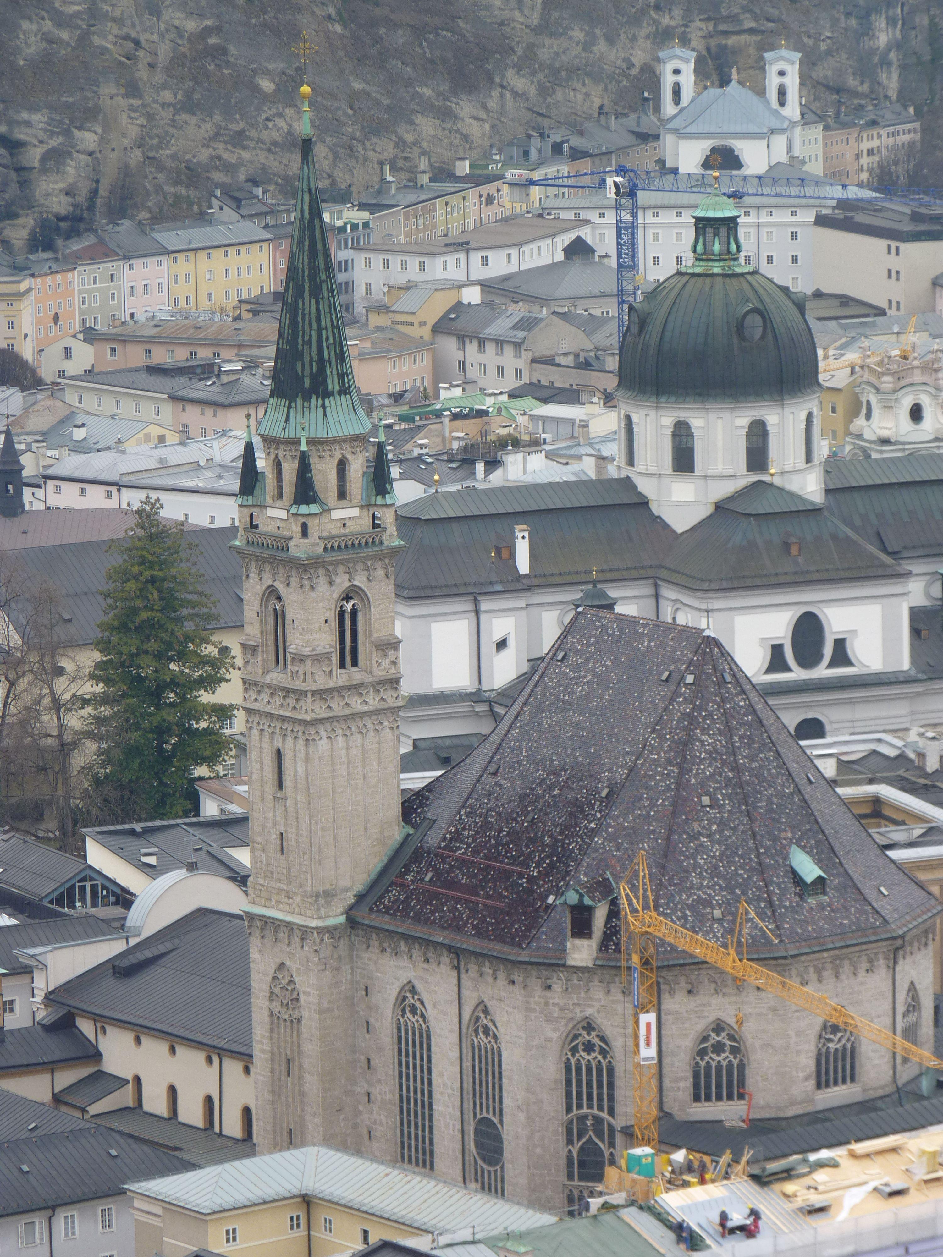 Castillo Hohensalzburg. Vista Iglesia Franciscana.