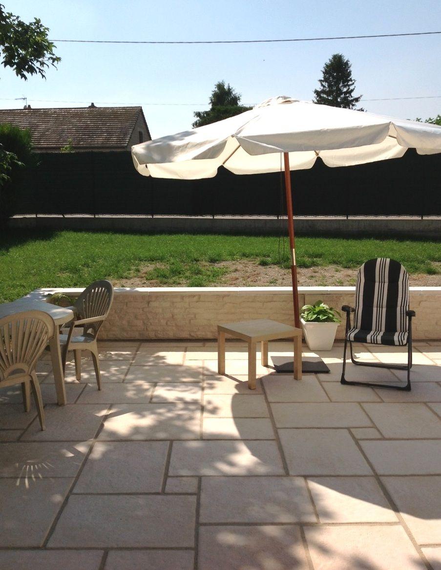 Muret imitation pierre de Bourgogne; aménagement de clôture ...