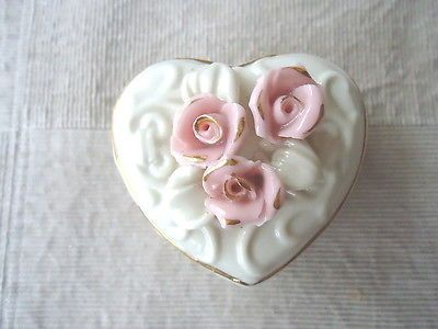 """Vintage Pink Roses Topped Heart Shaped Trinket Box """" BEAUTIFUL RARE PIECE """" #vintage #collectibles #home"""