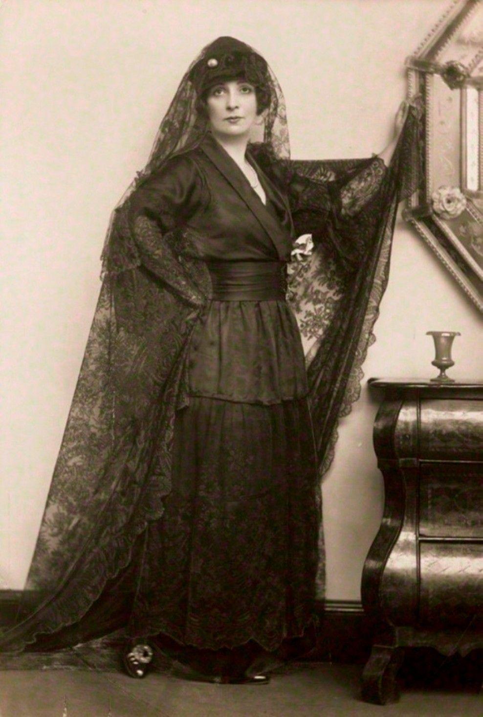 Lady Lavery, wife of Irish artist Sir John Lavery