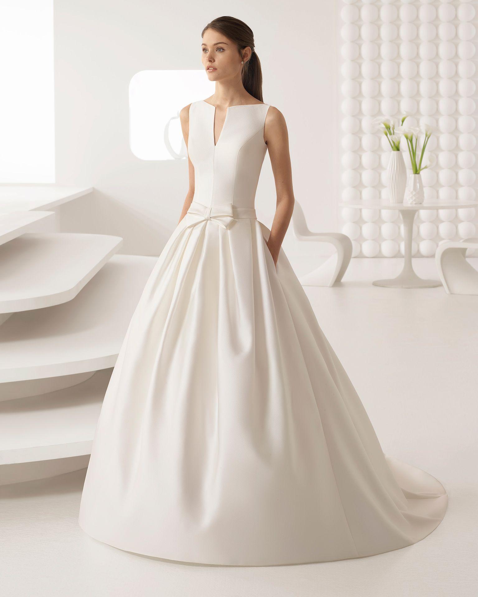 ARAS - Novia 2018. Colección Rosa Clará | Bateau neckline, Wedding ...