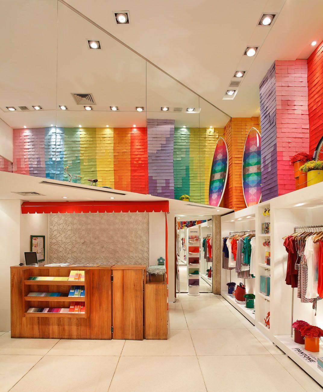 Wall Decor Shops: Colorful Walls #decor #colors #lojas