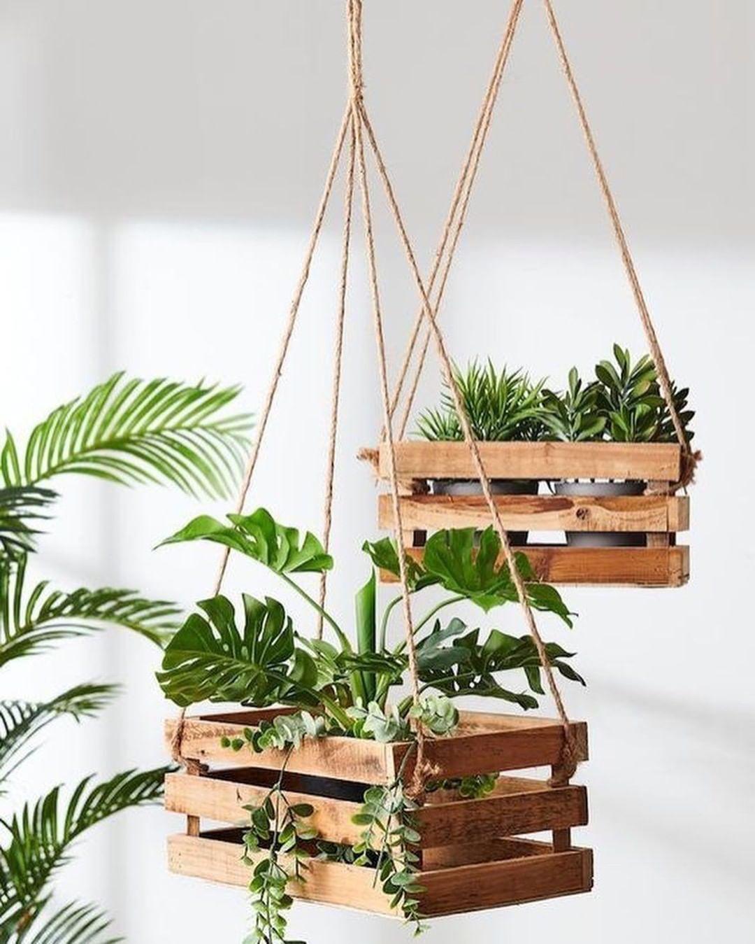 #diy DIY - Suspensions pour #vgtaux avec des #cagettes#dco #dcoration #deco #blogdco #blogueusedco #diy #plantes #diydco