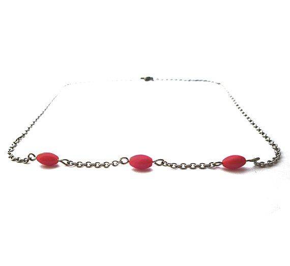SIMPLICITY red coral necklace red dyed coral  van deBATjes op Etsy