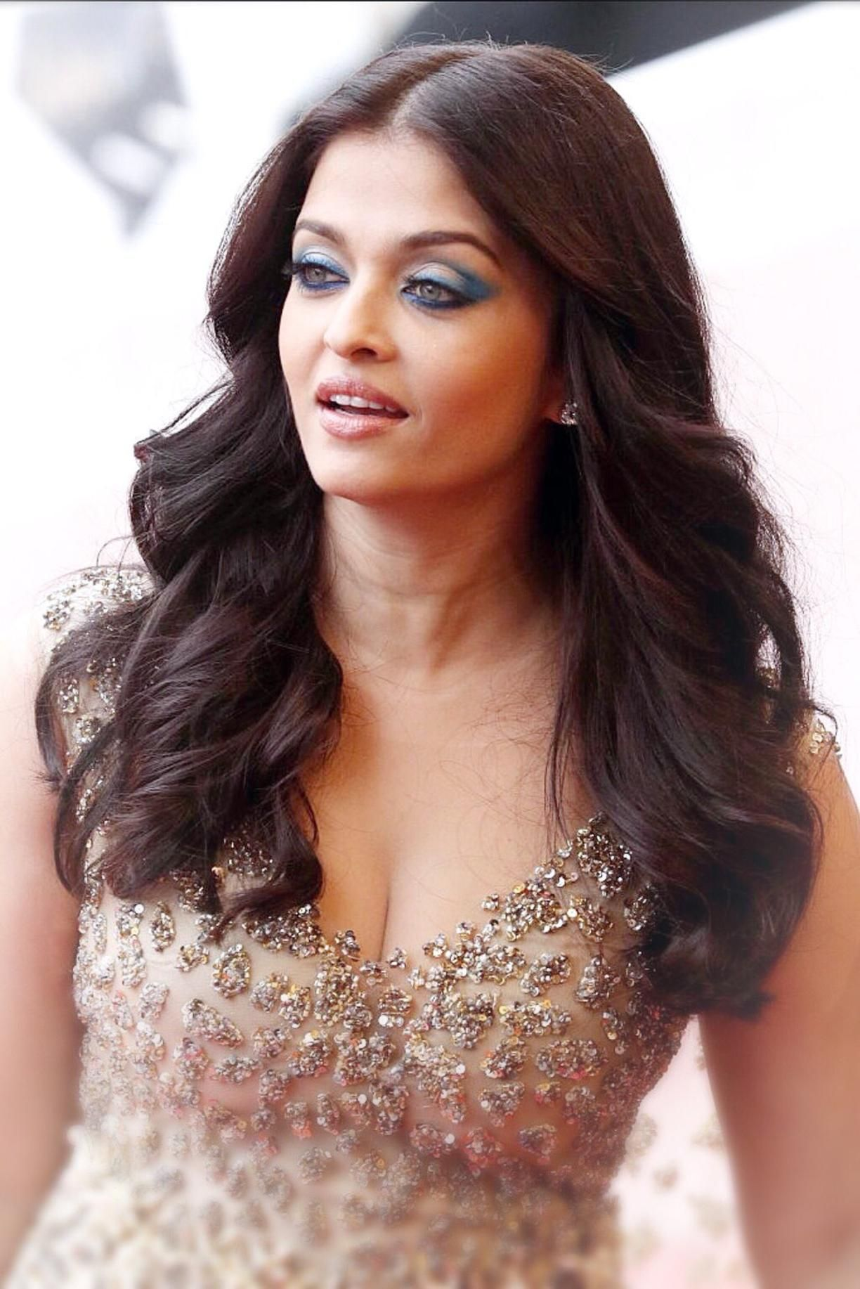 Hot and sexy pics of aishwarya rai