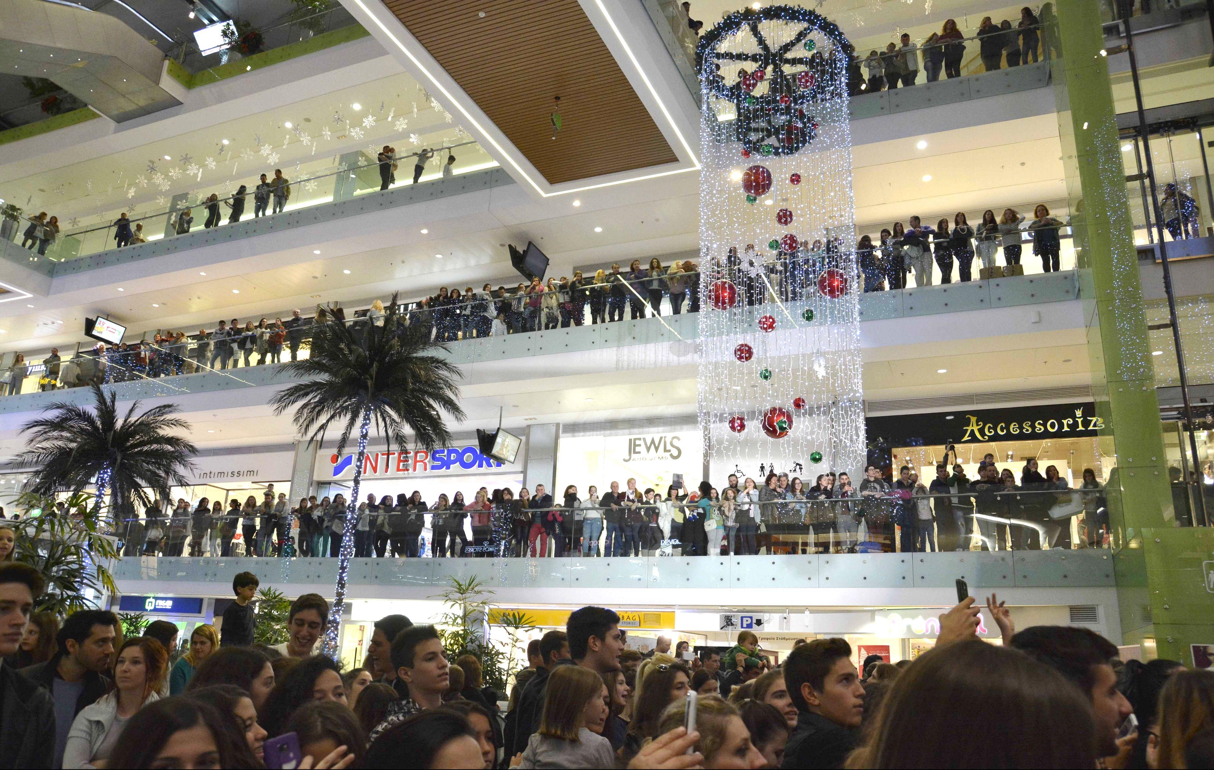 Christmas Live Stage   Athens Metro Mall   1o Christmas Live Stage ... 459799a0e4