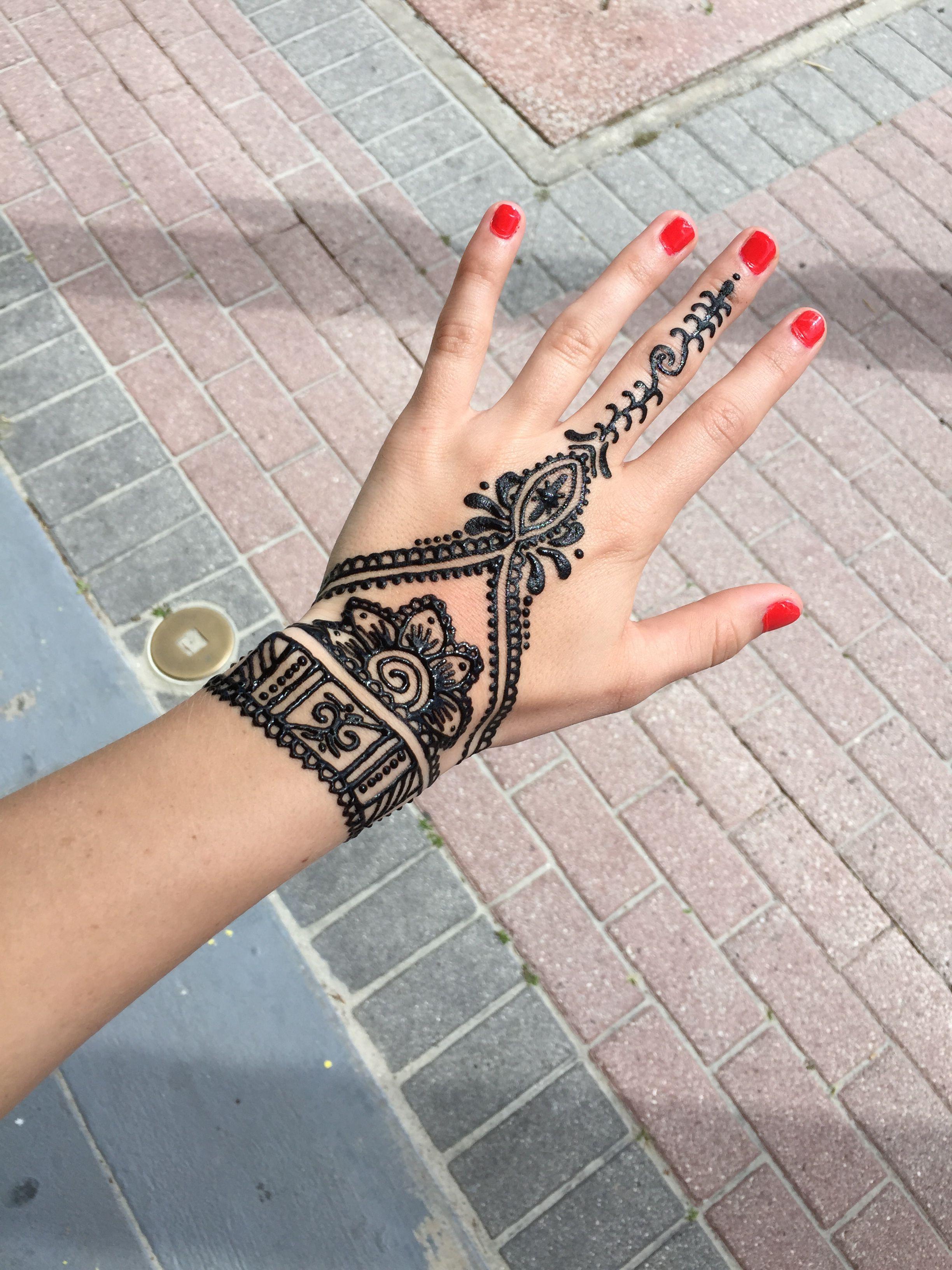 5ea803424 henna #hand #hennatattoo   Summer   Hand henna, Henna, Hand tattoos