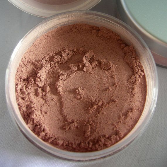 As pure and natural as makeup can get, this Earthwise Naturals custom blend bronzing powder is made of all natural ingredients including: