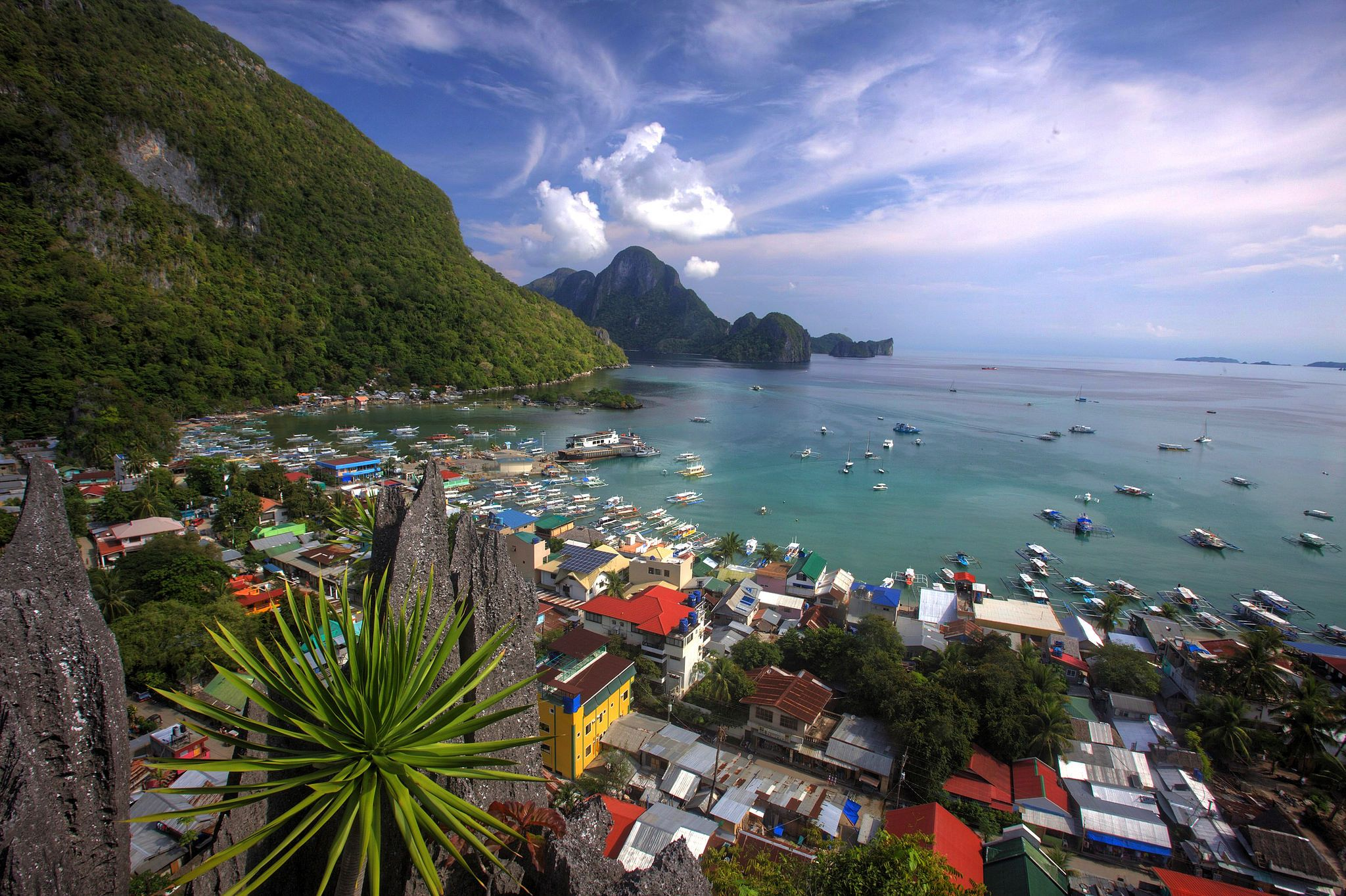 https://flic.kr/p/HxLFGq | El Nido from Above | The town of El Nido, Palawan, Philippines, seen from above, from the end point of the Taraw Cliff Walk. What a pretty place!  Check out my blog at  pacificklaus.com/