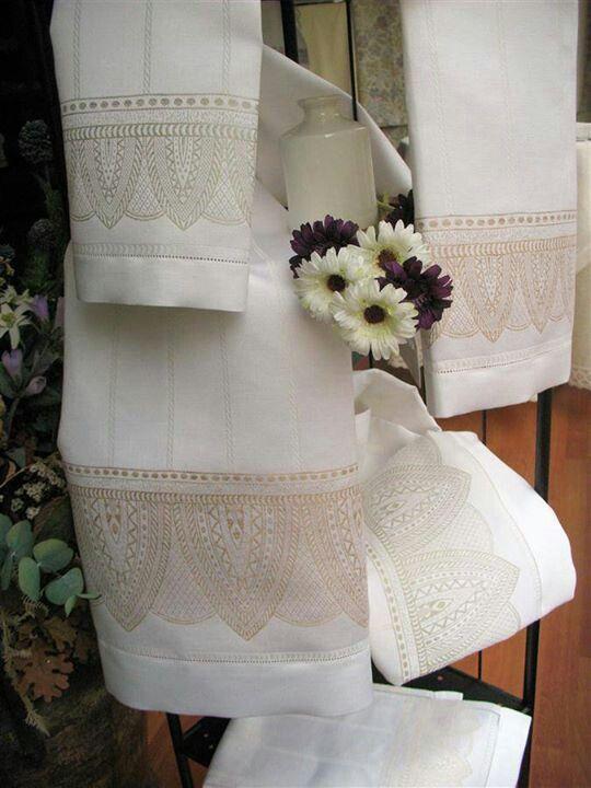 Elegantes Toallas Italianas Toallas Decoradas Pinterest - Decoracion-con-toallas