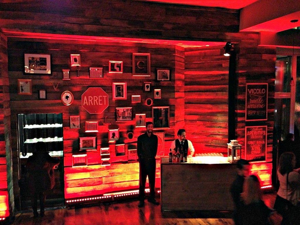 Le Restaurant Vicolo Un Depart Tres Prometteur Urbaine City Movie Posters Restaurant Montreal