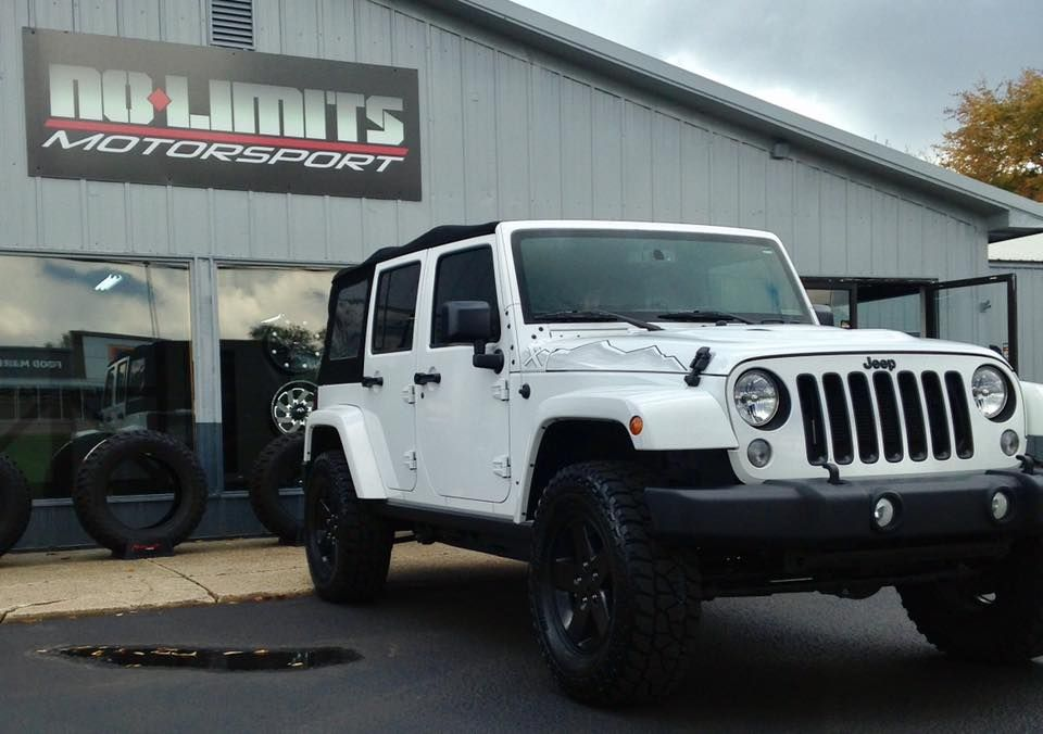 Jeep Jk With A Teraflex Leveling Kit A Set Of 33 Mickey Thompson Atz P3 Tires And A Set Of Spidertrax Wheel Spacers Jeep Wrangler Jeep Jku Jeep