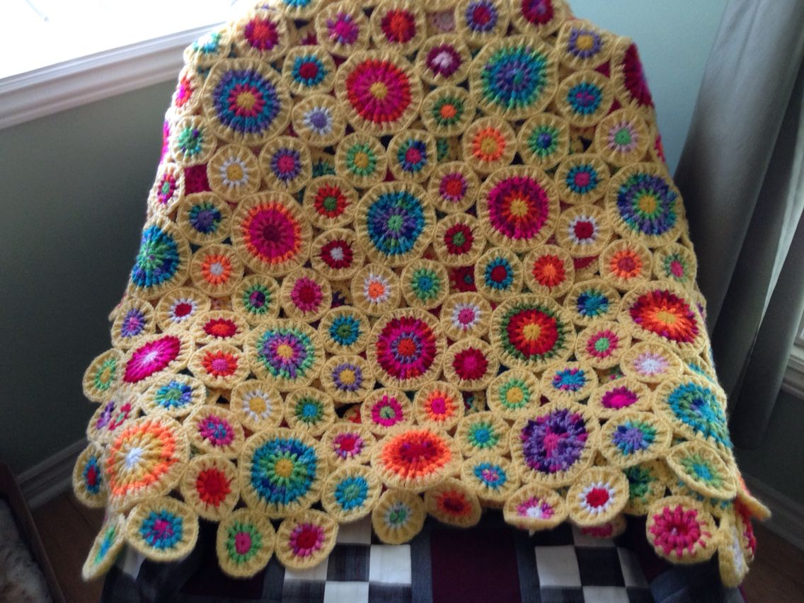 My crochet circle afghan finished! Inspired by Islamic geometry ...