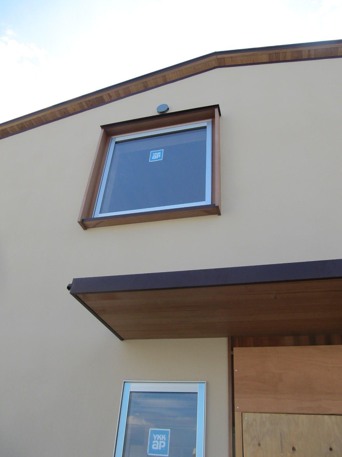 外壁 木枠 の画像検索結果 木枠 窓枠 家