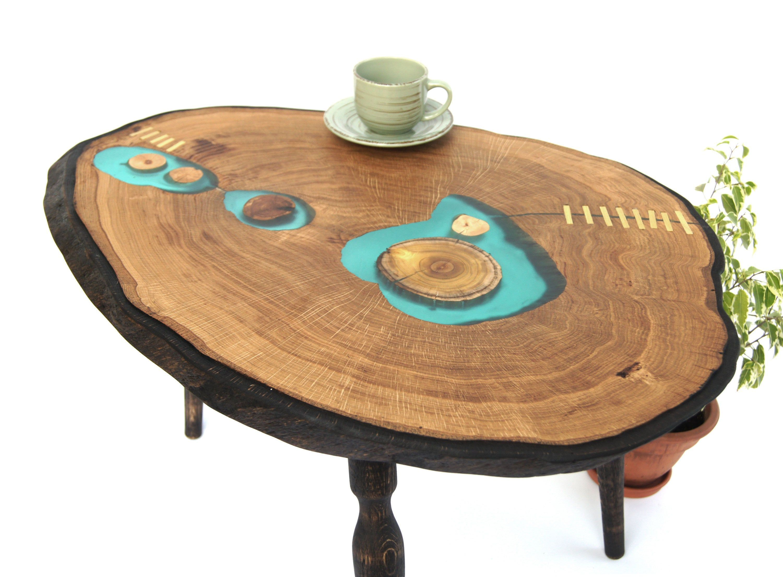 Bedside Cabin Coffee Desk Edge Epoxy Furniture Gedeckter Tisch Gezeichnet Live Nightstand Oak Resin In 2020 Couchtisch Holz Nachttisch Holz Gedeckter Tisch