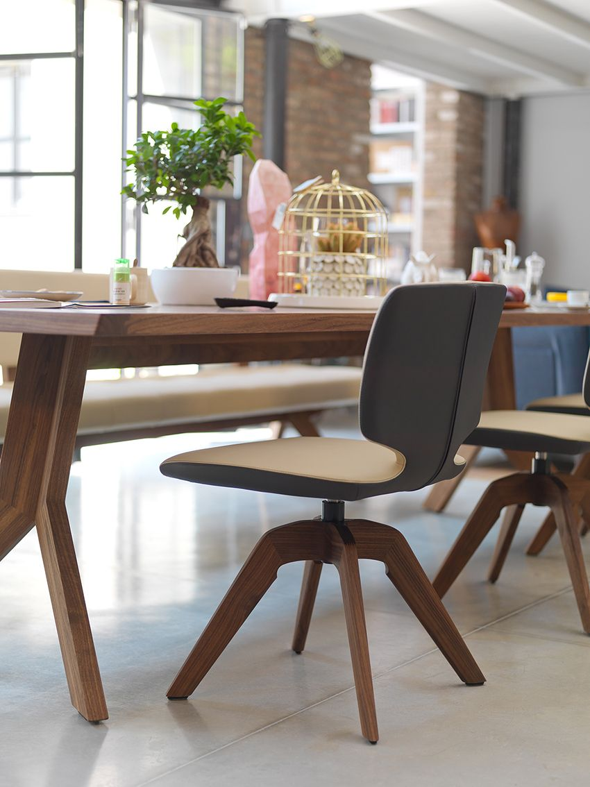 As A Swivel Chair Aye Impresses Not Only Through Its Comfortable New Leather Swivel Dining Room Chairs Decorating Inspiration