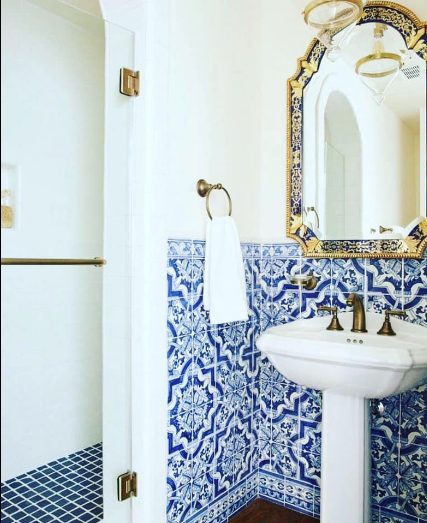 Miradouro Portuguese Tile Country Floors Of America Llc Mediterranean Bathroom Moroccan Bathroom Shabby Chic Bathroom