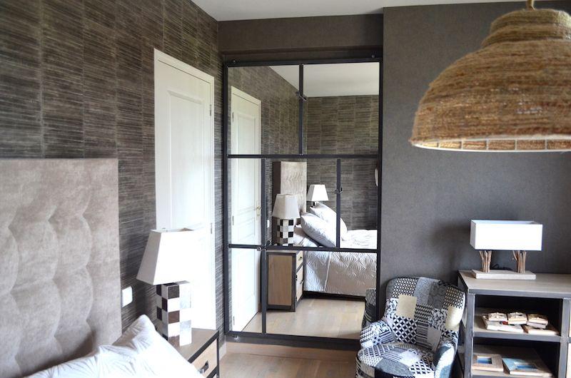 grand miroir en acier avec pat res sur mesure cr ation et r alisation micheli design. Black Bedroom Furniture Sets. Home Design Ideas
