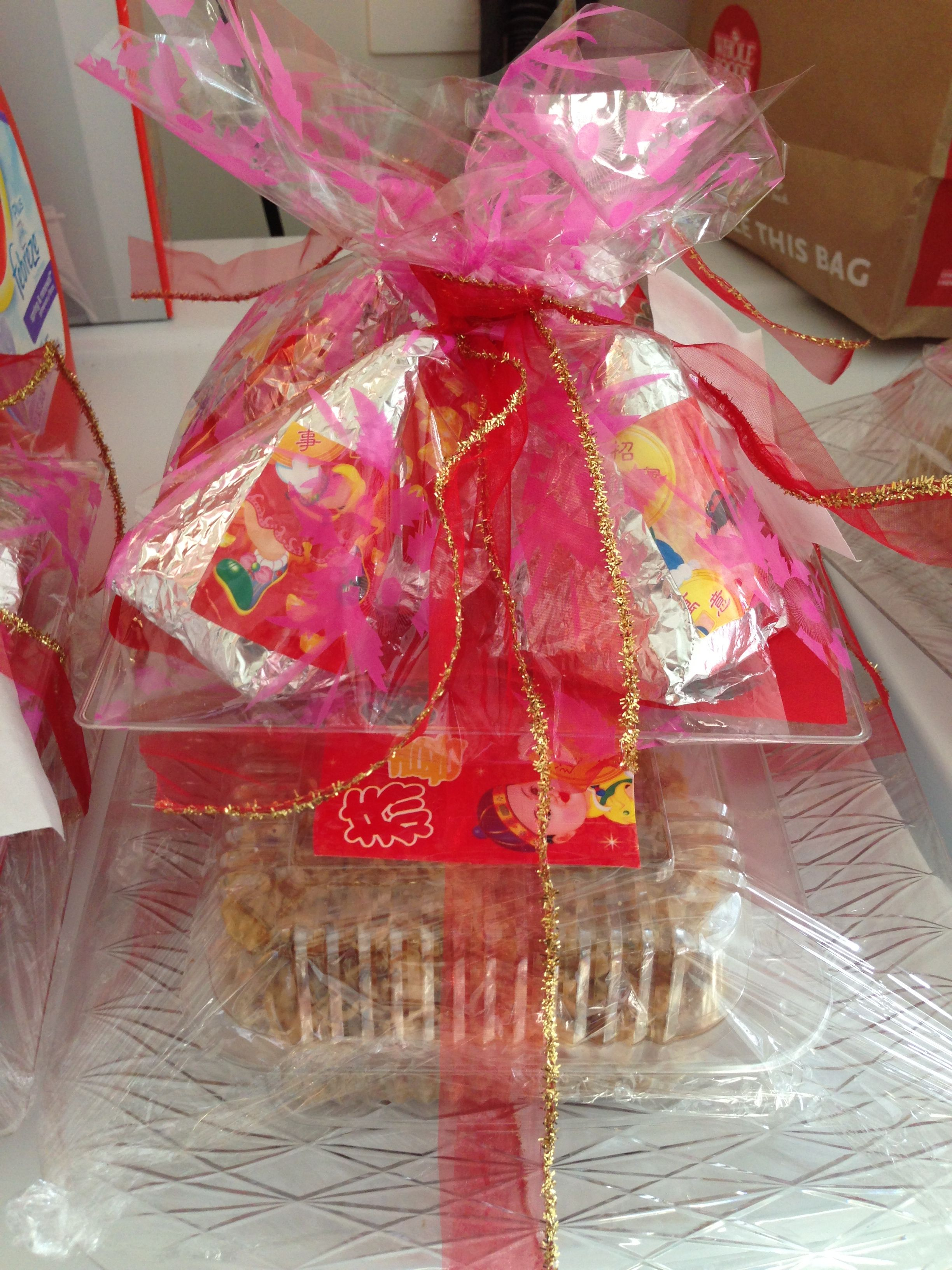 Early Vietnamese new year gift